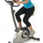 Korzyści płynące z ćwiczeń na rowerku treningowym w domu
